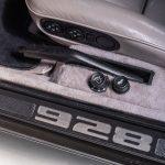 Porsche 928 grijs-3413